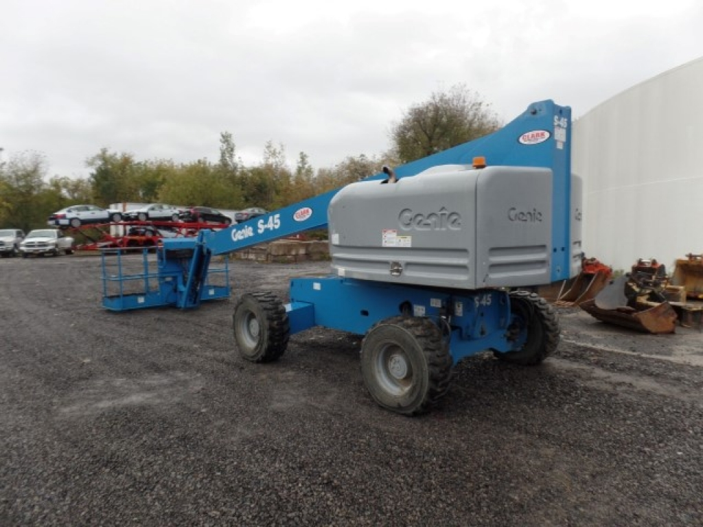 boomlift-construction-equipment-genie-s40-8