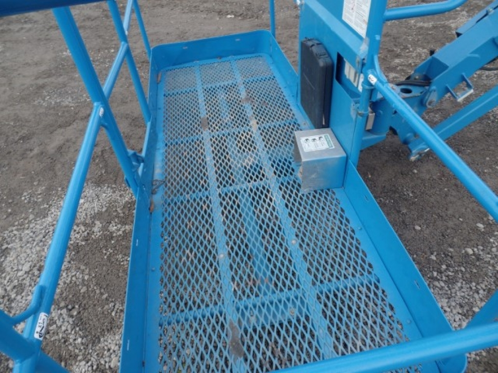 boomlift-construction-equipment-genie-s45-11