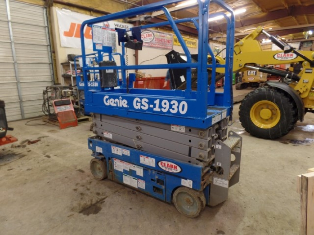 scissor-lift-construction-equipment-genie-gs1930-5